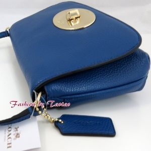 COACH F52896 Pebble Leather Turnlock Clutch Xbody